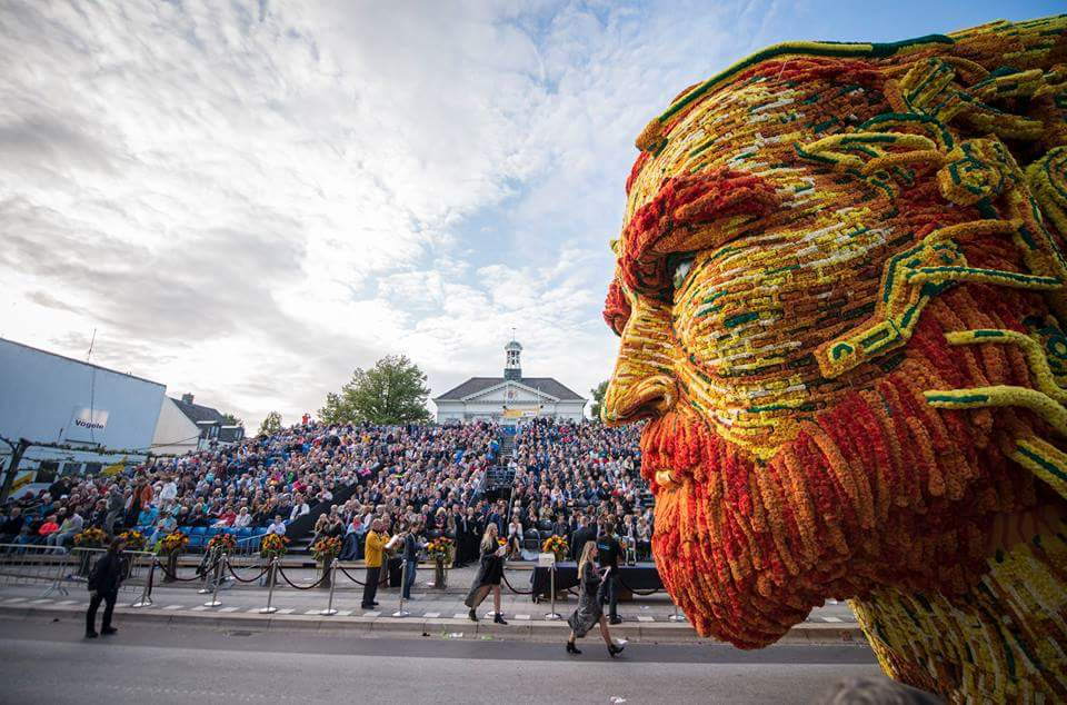 In the Netherlands, a Parade of Giant Van Gogh-Inspired Floats Made of Flowers