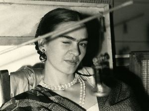A rare photo of Frida Kahlo shot in 1933 by Lucienne Bloch (Photo: Throckmorton Fine Art)