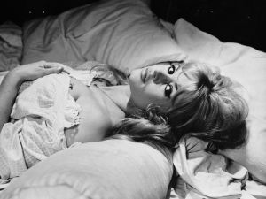 Brigitte Bardot in bed. (Photo: Keystone Features/Getty Images).