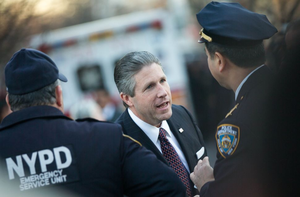 Biggest NYPD Union Funding Longshot Challenger to NYC Mayor Bill de Blasio