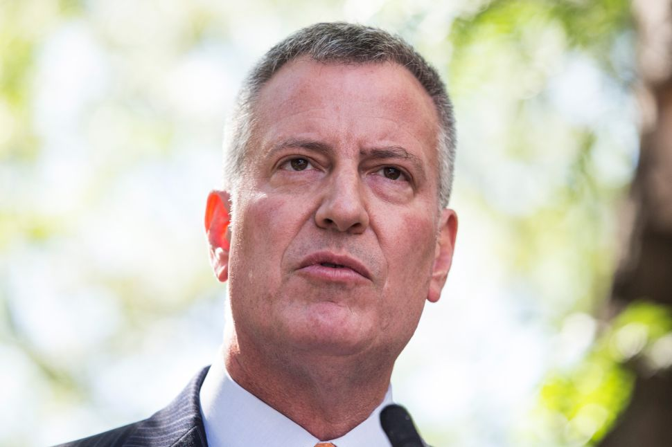 De Blasio Defends Media Strategy After Transparency Criticism