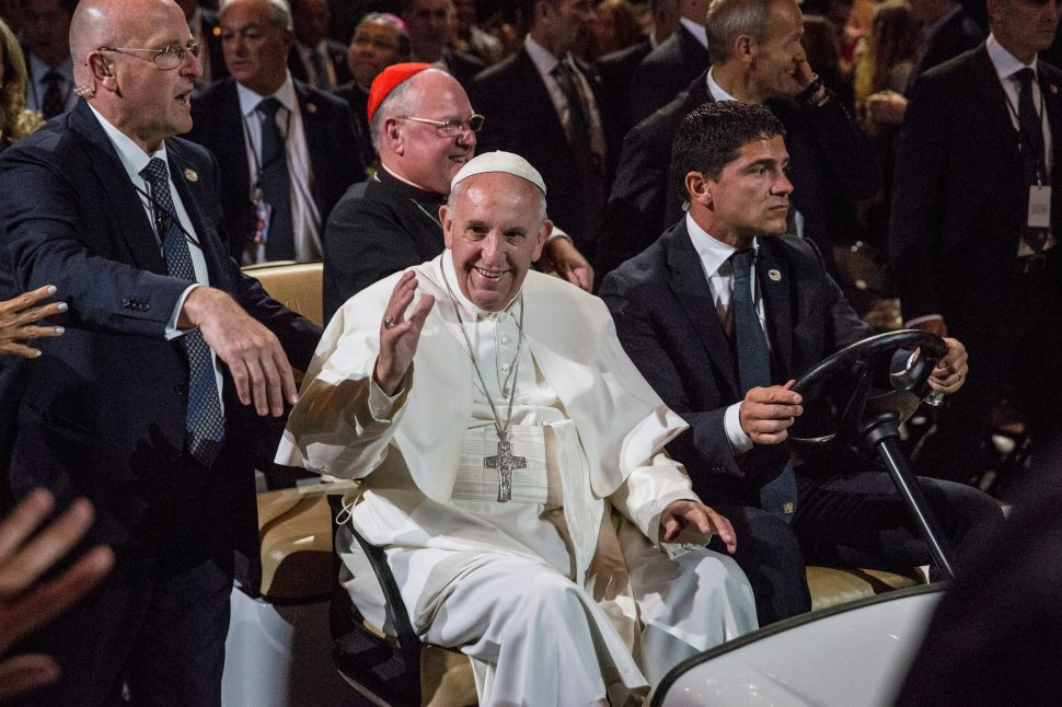 'God Is Living in Our Cities:' Pope Francis Leads Mass at Madison Square Garden