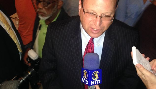 Barry Grodenchik declares victory (Photo: Will Bredderman/New York Observer).