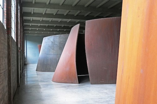 Everyone Should See Richard Serra's Giant 'Torqued Ellipses'