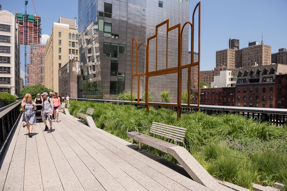 The Most Frequently Stolen Artwork in History Is…On the High Line?
