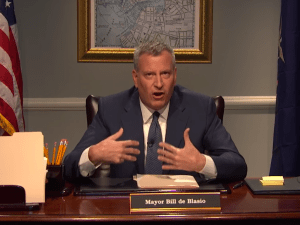 Mayor Bill de Blasio offered a mock message to New Yorkers on Late Night With Seth Meyers. (Screengrab: Late Night With Seth Meyers)