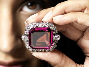 The Hope Spinel. (Photo: Bonhams)
