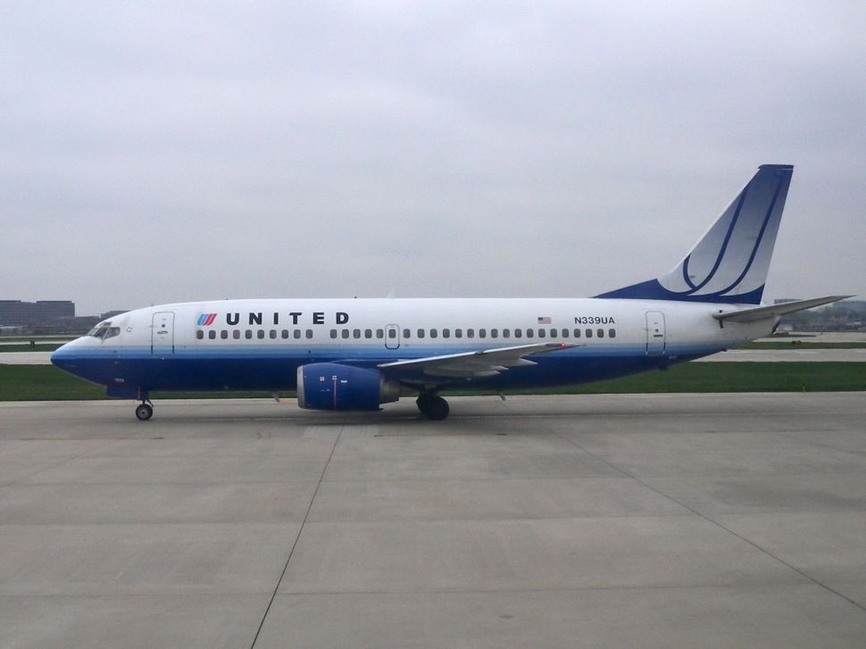 United Airlines Begins Powering Planes With Farm Waste