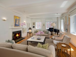 A pre-war Park Avenue co-op with family-friendly tendencies. (The Corcoran Group)