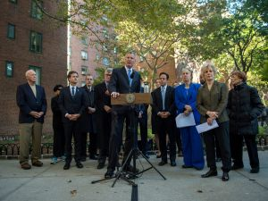 Mayor Bill de Blasio joins other leaders at the announcement of the Stuyvesant Town-Peter Cooper Village purchase (Photo: NYC Mayor's Office Flickr).