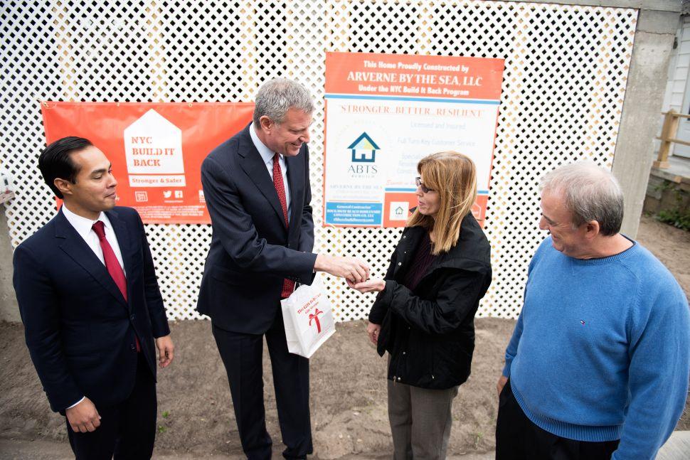 De Blasio and HUD Secretary Tout Progress in Breezy Point After Sandy