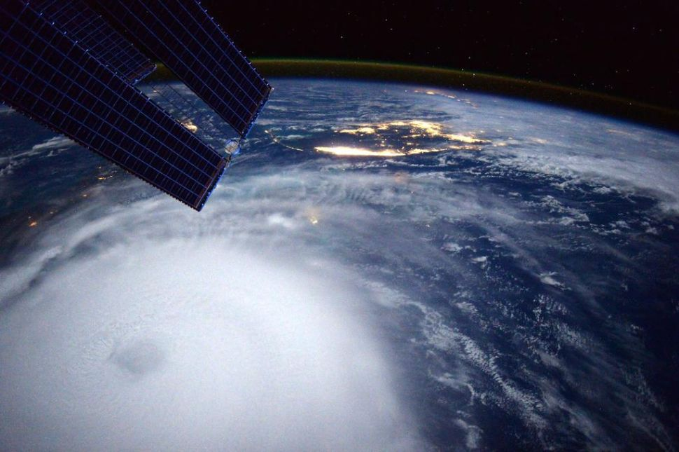 Hurricane Joaquin: The Internet Prepares for an Oncoming Storm