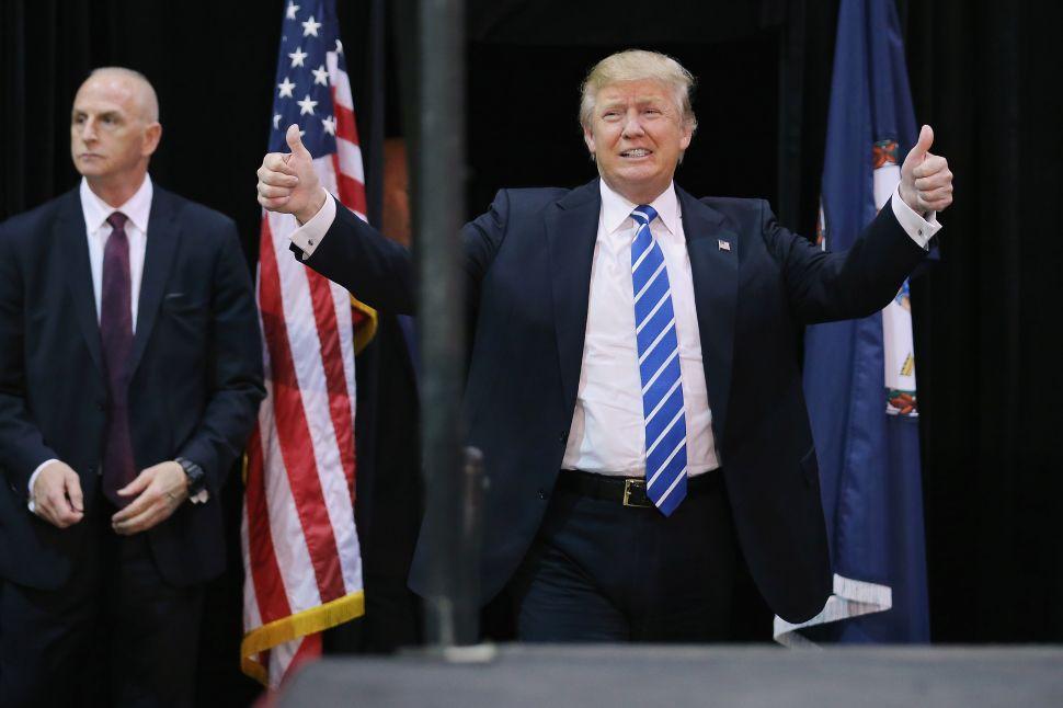 New York Governor Compares Bernie Sanders to Donald Trump