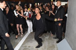 Olivier Rousteing and an army of Instagrammers (Photo: Nicholas Hunt/Getty Images for H&M)