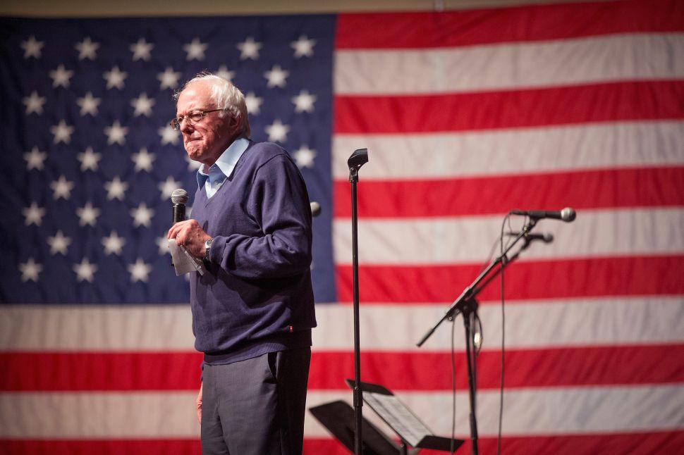 John McCain: Bernie Sanders, Not Hillary Clinton, Has 'Record of Advocacy' for Vets
