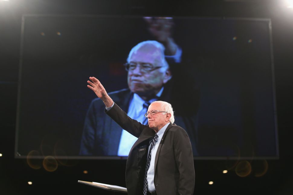 Bernie Sanders Revamps His Campaign's Momentum in Iowa