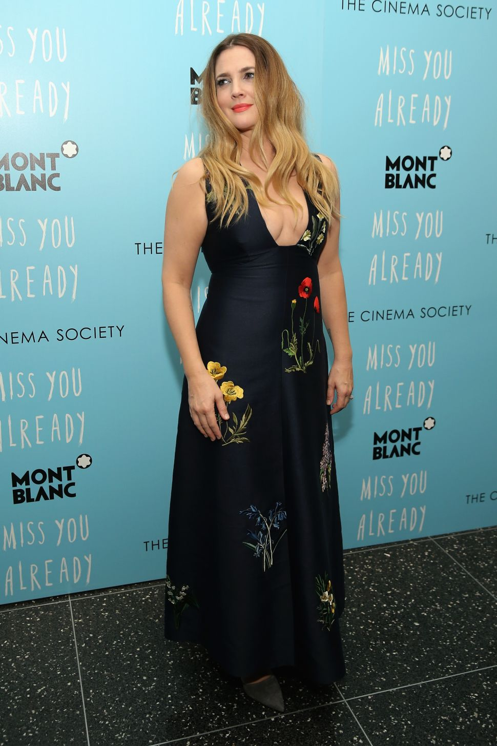 Drew Barrymore Nails the Art of the Fall Floral