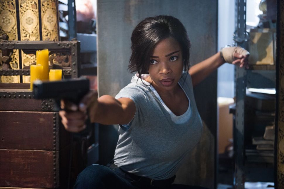 Jill Marie Jones of 'Ash vs. Evil Dead' on Kicking Bruce Campbell's Ass