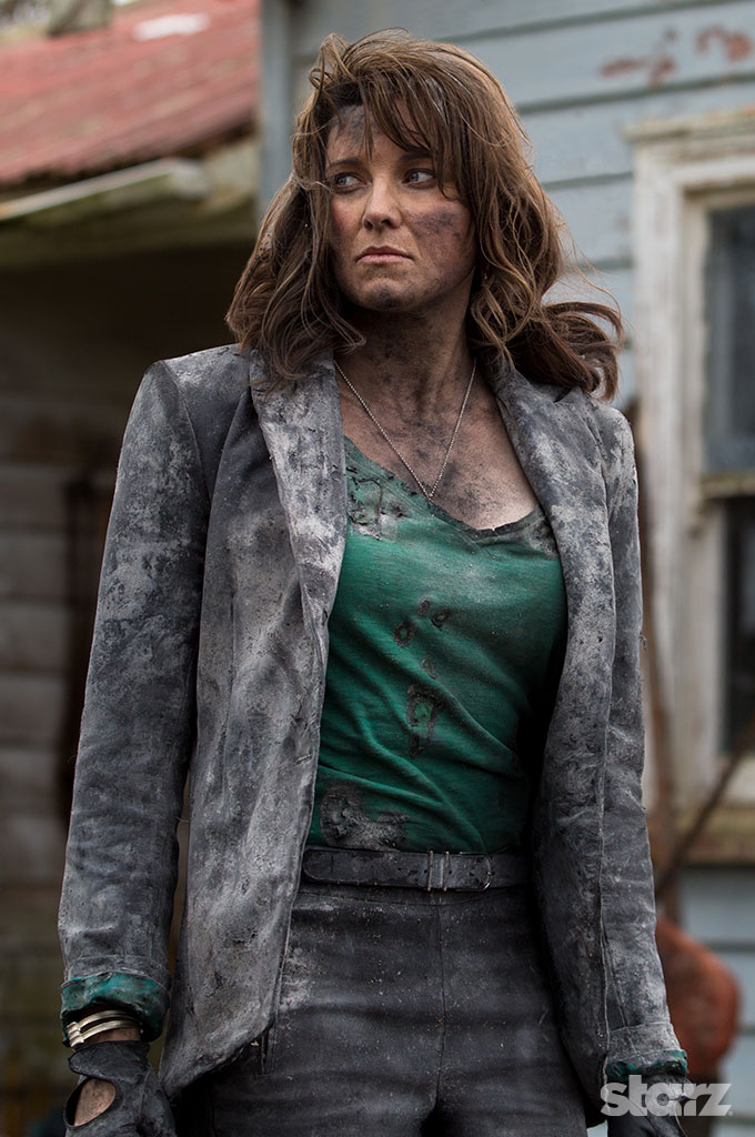 Lucy Lawless Talks 'Ash vs. Evil Dead,' and Enduring Sam Raimi's Practical Effects