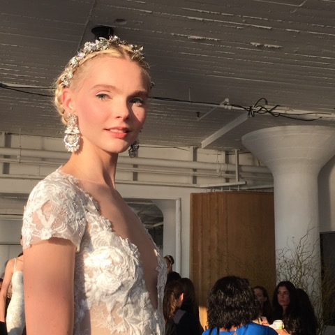 Fashionable Brides Go Intricately Forth