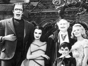 The Munsters : what happens when Suicide Girls become Suicide Moms. (CBS)