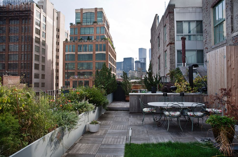 On Top of the World: New Landscaped Roof Spaces That Encourage Residents to Stay Awhile