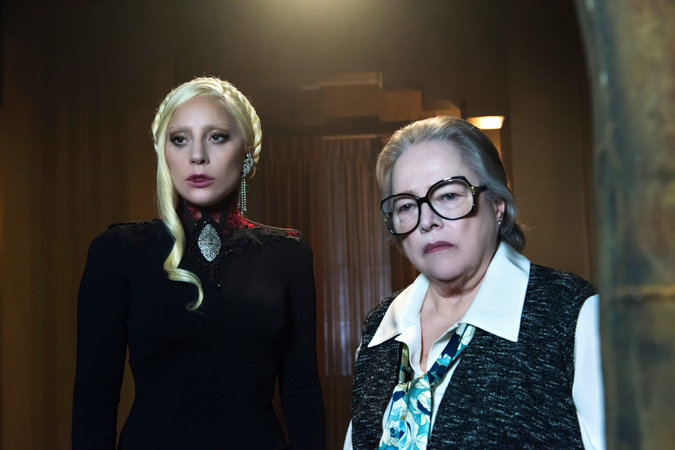 'American Horror Story: Hotel' Latecap 5×07: Now We're Cooking With Crazy!