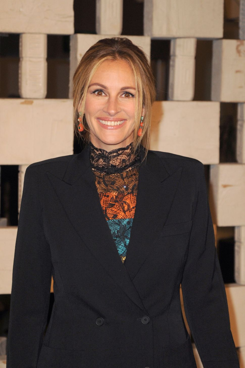 Julia Roberts Sells Greenwich Village Pad 16 Days After Putting it on the Market