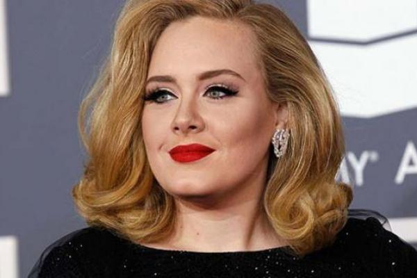 Twitter Is Freaking Out Over #Adele25
