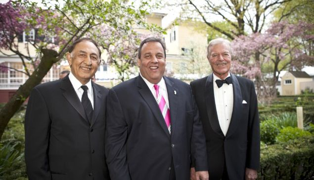 Farahi (left) with Governor Chris Christie at Kean's 2013 Governor's Ball.