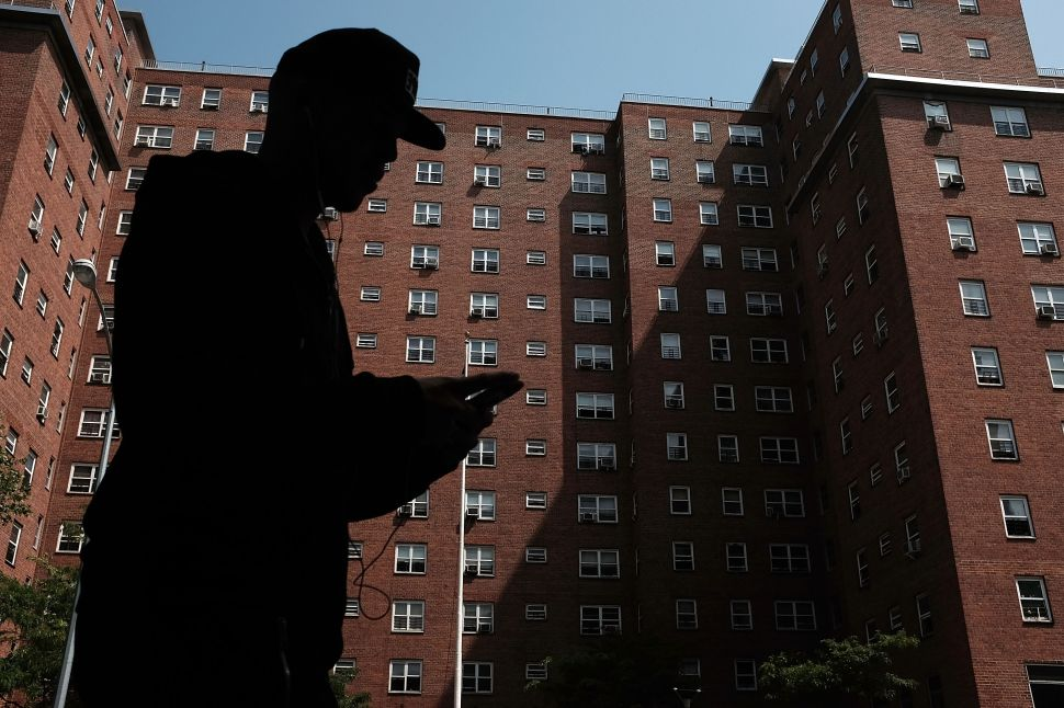Bill de Blasio: Banning Smoking in Public Housing Is a 'Commendable Goal'