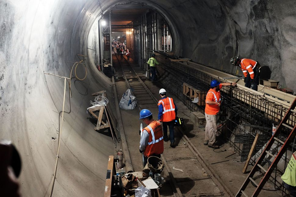 Afternoon Bulletin: A Look at the East Side Access Project, Airbnb Survey and More