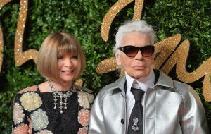 Proof that both Karl Lagerfeld and Anna Wintour did show up to the BFA (Photo: Anthony Harvey/Getty Images)