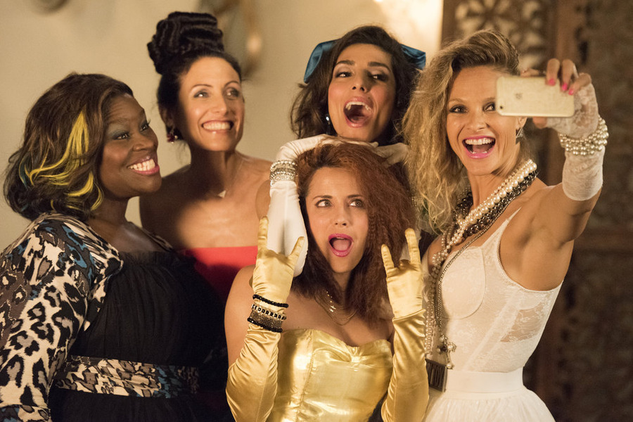 'Girlfriends' Guide to Divorce' Isn't Just About the Ladies, Says Male EP