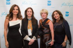 Julie Taymor and guests (Photo: Shoot Me Peter Photography).