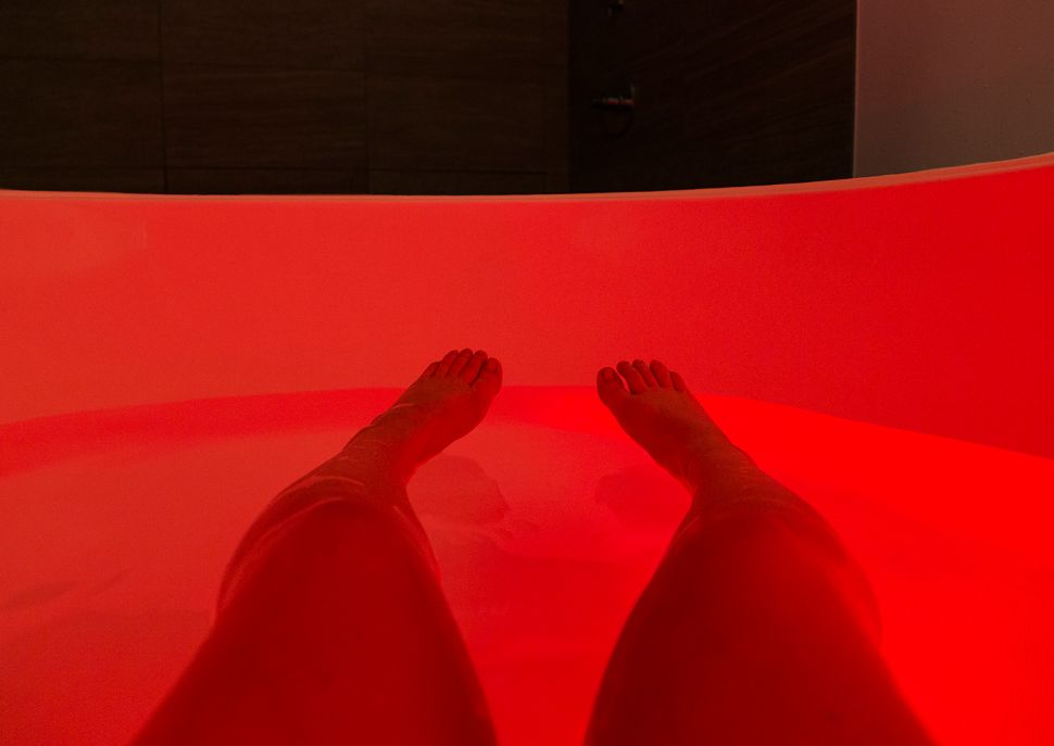 Next-Wave Sensory Deprivation Floats Slightly Claustrophobic Correspondent's Boat