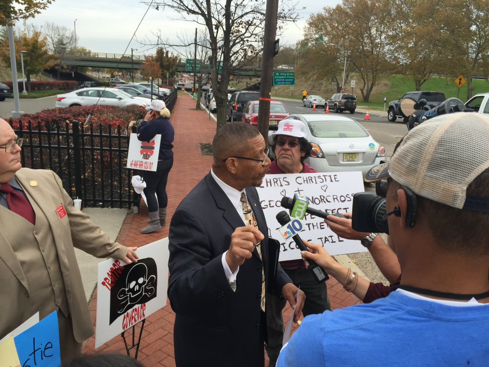Local Republicans Protest at Christie Appearance in Camden