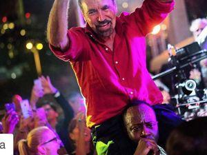 Jorge M. Perez partying with Wyclef Jean. (Photo: Franklin Sirmans, @mfsirmans, via Instagram)