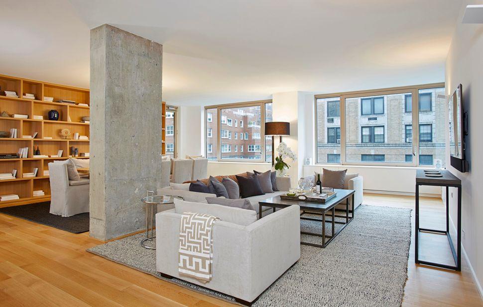 Eastern Exposure: White Oak and Minimalist Design Dominate an Uptown Renovation