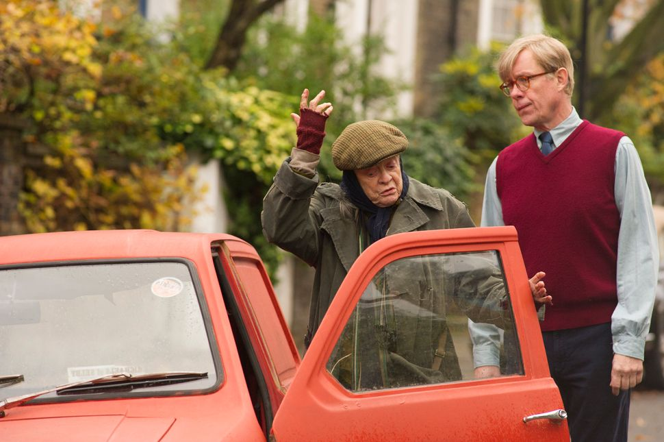 Maggie Smith Is the Driving Force in 'Lady in the Van'