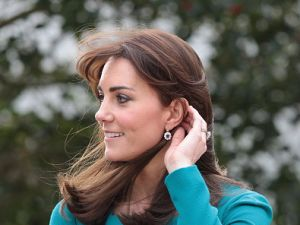 Catherine, Duchess of Cambridge, shows off her lob (Photo: Eddie Mulholland/Getty Images)