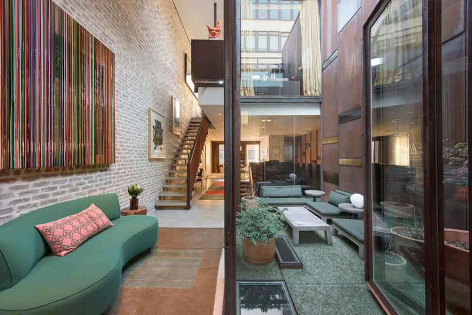This Cavernous Tribeca Home at 75 Warren Is Filled With Off-the-hook Design Choices