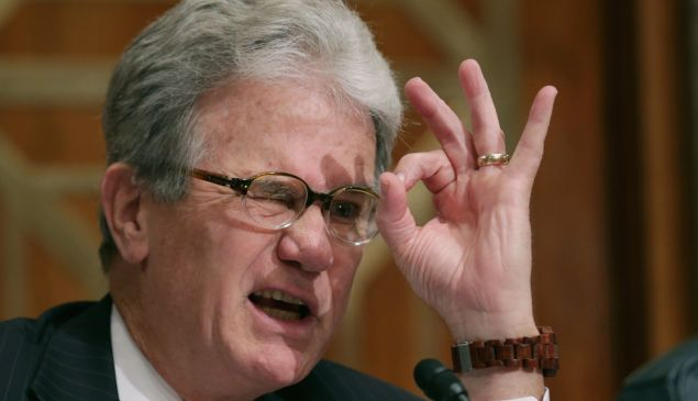 Study co-author, the former U.S. Sen. Tom Coburn (R-OK) gestures to indicate how much the federal government ought to be spending on outside PR firms. September 9, 2014 in Washington, DC. (Photo by Chip Somodevilla/Getty Images)