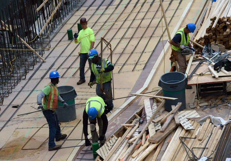 Amid Spike in Deaths and Spat With Labor, Nonunion Builders Launch Training Program