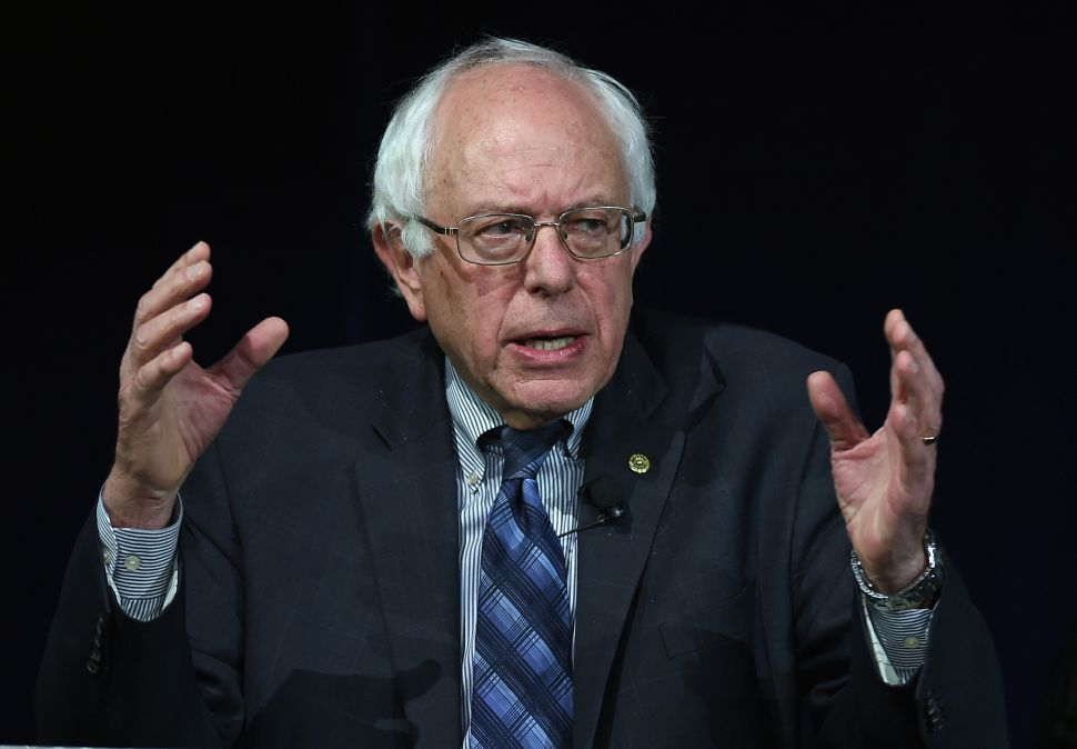 Bernie Sanders Leads All in Calling for Resignation of Chicago Officials