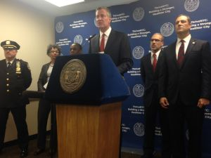 Mayor Bill de Blasio with other leaders on Staten Island today (Photo: Will Bredderman for Observer).