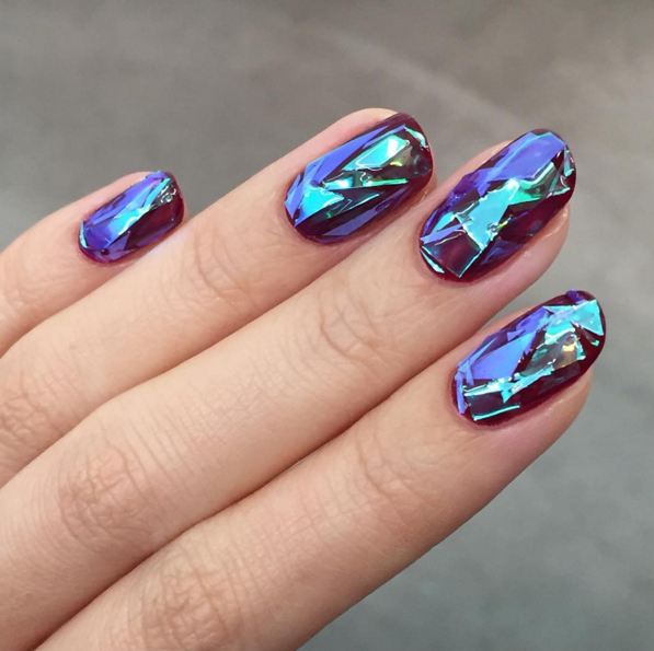 Shattered Glass Nails Are the Must-Have New Year's Eve Nail Trend