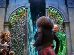Elijah Kelley, Shanice Williams and Common in NBC's The Wiz Live! (Photo: Screenshot/Youtube)