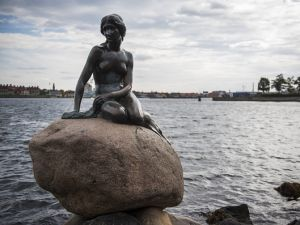 A bronze statue of The Little Mermaid in Copenhagen (Photo: Odd Andersen/AFP/Getty Images)