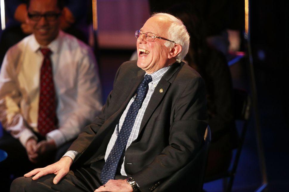 Berserk Clinton Bigwigs Launch Nixonian Attack Against Surging Sanders